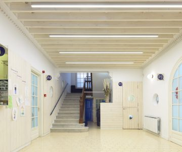 Nausica School, Barcelona. Refurbishment of the entrance hall